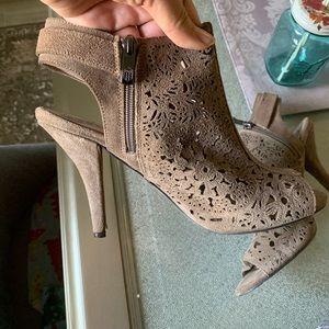 Vince Camuto size 10 shoes